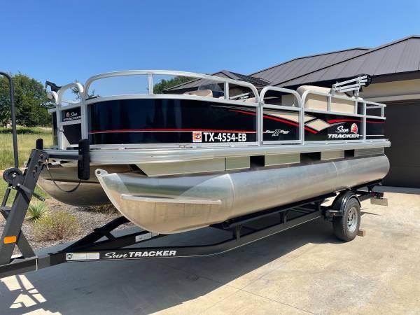 Photo 2018 pontoon for rent -$400 All Day - $400 (Horseshoe bay-austin)