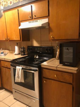 Photo 2 Bed 1 Bath in Heart of San Marcos (San Marcos)