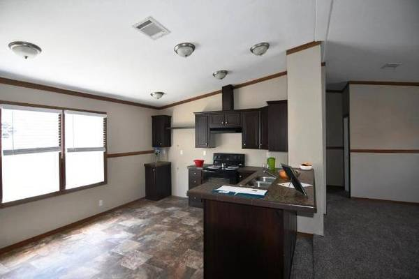 Photo 32 USED MANUFACTURED HOME IS LOOKING FOR A NEW FAMILY (GONZALES)
