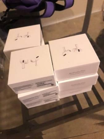Photo Apple AirPod pros - $1,350 (San Antonio tx)