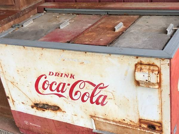 Photo Coca-Cola Cooler - $500 (San Marcos)