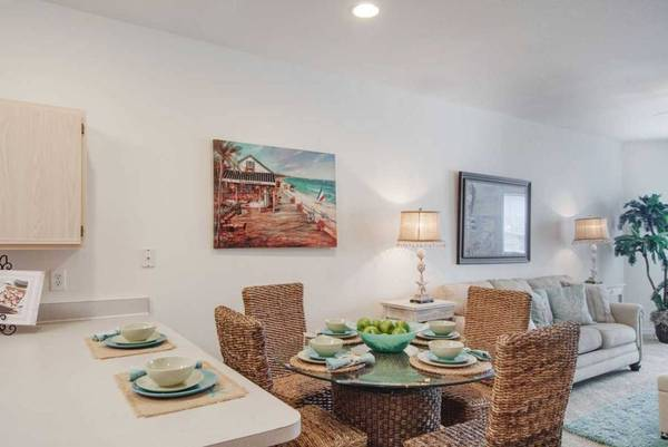 Photo Enormous 2 Bedroom - 2 Bathroom available for only $1,050 (San Marcos)