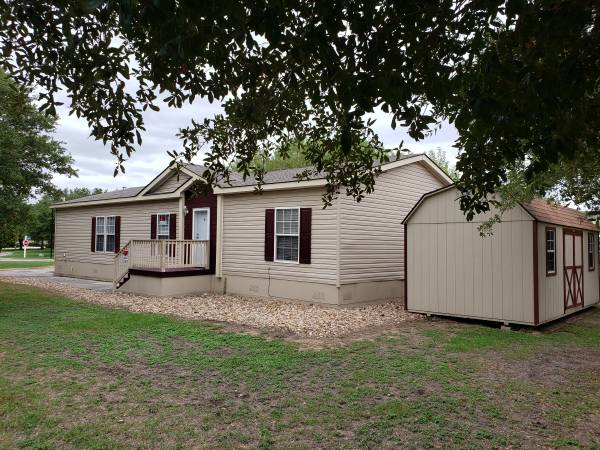 Photo New Braunfels-gtGorgeous 2014 DW in gated MH Community (Comal Farms)