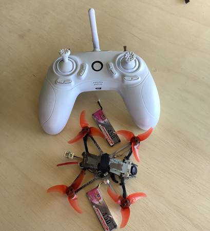 Photo Rc racing drone and Traxxas TRX4 Defender - $150 (Geronimo)