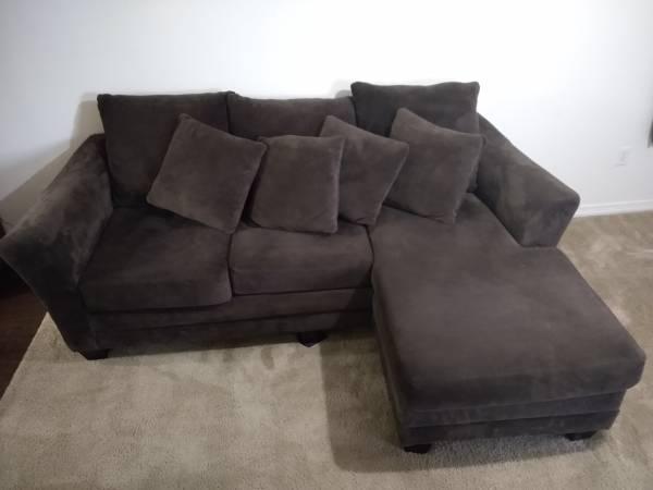 Photo Sofa with Chaise - $349 (San Marcos, Texas)
