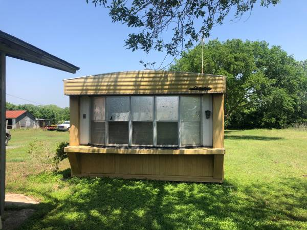 Photo Used 3 bed 2 bath single wide mobile home for sale (Luling)