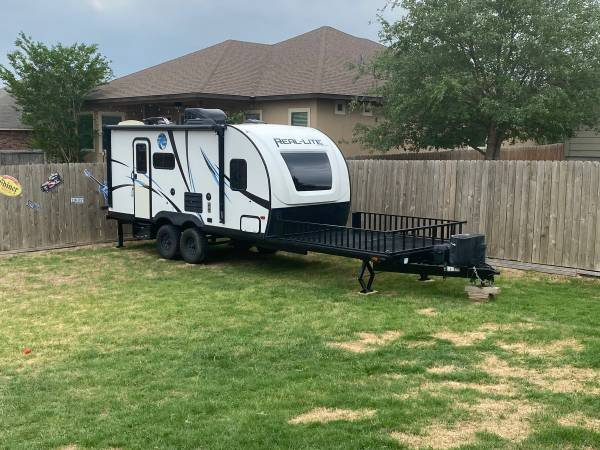 Photo Versitile RV with front deck - $18,000 (New Braunfels)