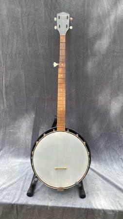 Photo Vintage 1960s Silvertone 5 string banjo - $150 (LAKEWAY)