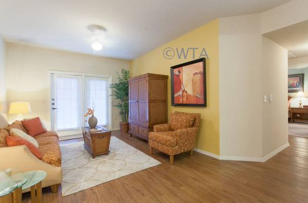 Photo Welcome Home To Your Apt Home Where You Can Kick Up Your Feet (New Braunfels)