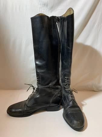 Photo ariat boots - $30 (kyle)