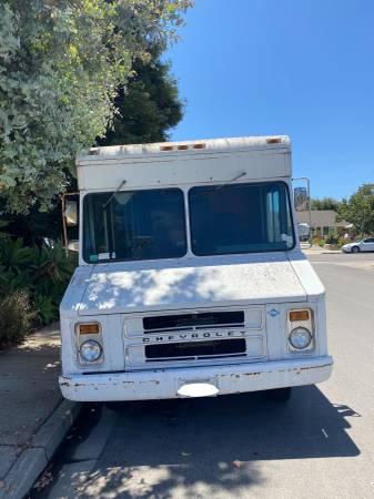 Photo 1989 Chevy Step Van - $3,500