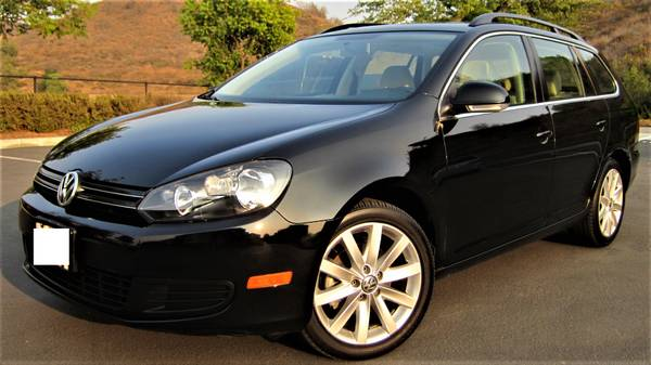 Photo 2012 VW JETTA 2.5SE STATION WAGON (ONLY 73K MILES, AUTO,PANO ROOF) - $10,499