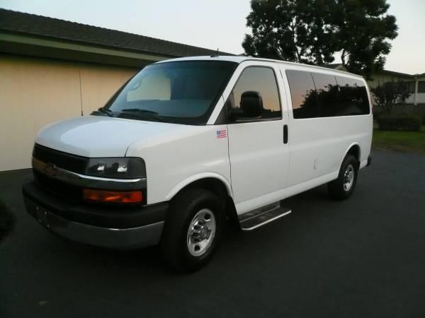 Photo 2014 Chevy Express Passenger Van - $15,995 (Santa Barbara)