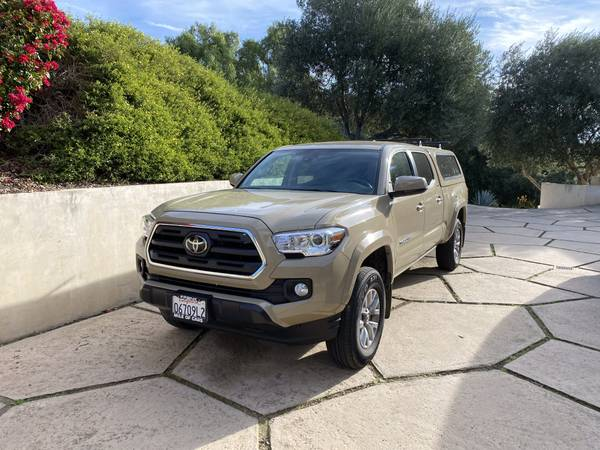 Photo 2019 Toyota Tacoma SR5 - $31000 (SantaBarbara)