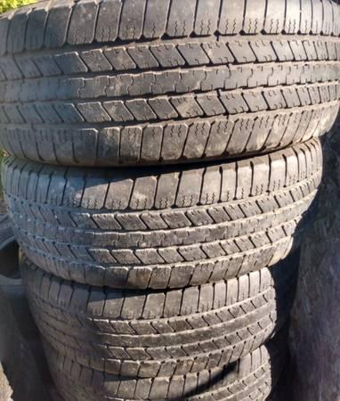 Photo 265-65r18 Goodyear Wrangler tires (4) - $160 (Carpinteria)