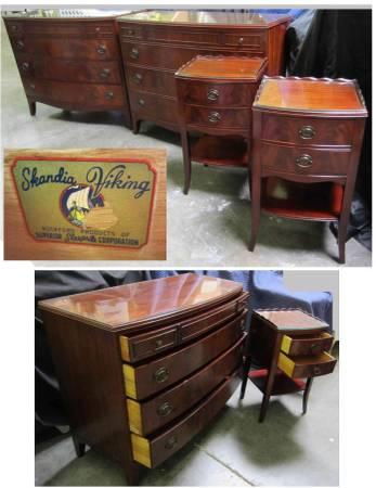 Photo BEDROOM SET 2 DRESSERS  2 NIGHTSTANDS Antique - $650 (Ventura mid)