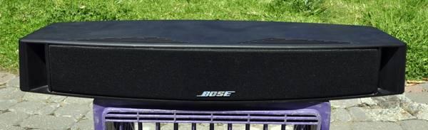 Photo Bose VCS-10 Center Channel Speaker - $100 (santa barbara)