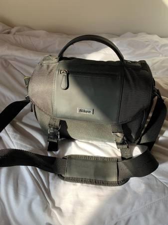 Photo Camera Nikon D3400 Bundle - $500 (Goleta, CA)
