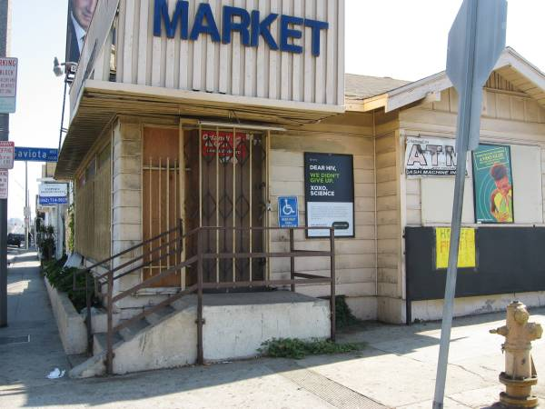Photo Commercial Building - 1238 sq ft For Sale (Long Beach)