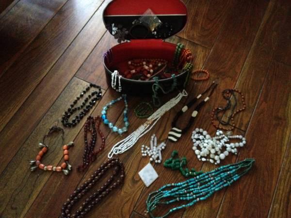 Photo Costume Jewelry in Vintage Zippered Case - $40 (Santa Barbara  Santa Ynez  Los Olivos)