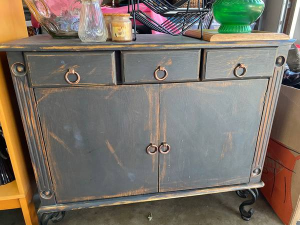 Photo FUNDRAISER GARAGE SALE - GREAT GIFTS, NEW AND USED ITEMS (Huntington Beach)
