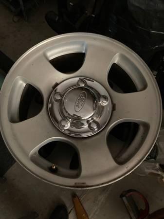 Photo Ford F-150 4 aluminum wheels 97-04 - $50 (Solvang)