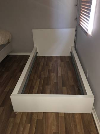 Photo Ikea Twin Bed Frame White - $50 (In N Out Area)