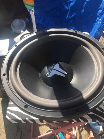 Photo JL audio old school subwoofer - $100 (SB)