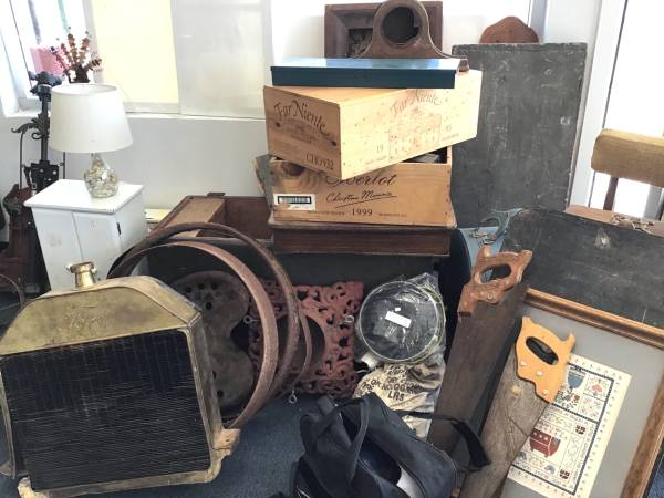 Photo Last Week of the ANTIQUE  VINTAGE POP-UP WAREHOUSE SALE (Simi Valley)