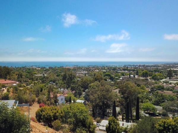 Photo Magnificent city and ocean views (Santa Barbara)
