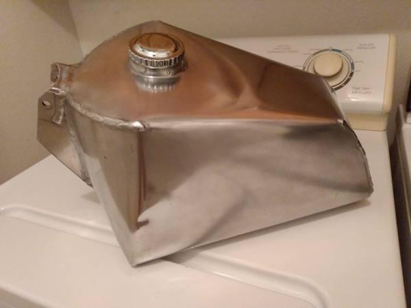 Photo Maico gas tank aluminum coffin used large capacity - $275 (Santa Barbara)