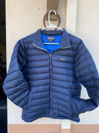 Photo Mens Patagonia Down Sweater (M) - $125 (Santa Barbara)
