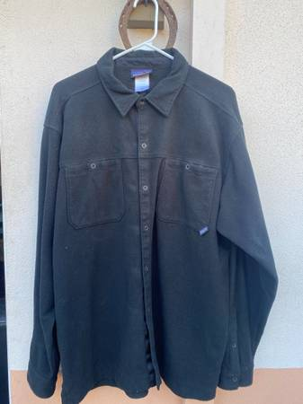 Photo Mens Patagonia Fleece Jacket - $30 (Santa Barbara)