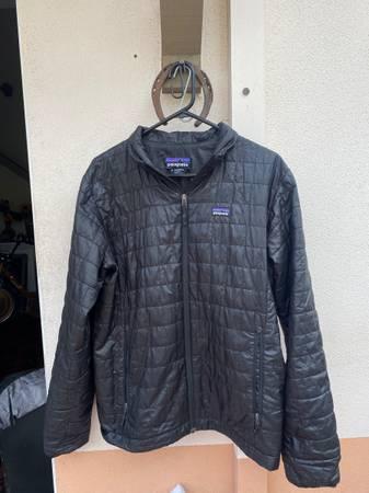 Photo Mens Patagonia Nano Puff Jacket (Medium) - $85 (Santa Barbara)