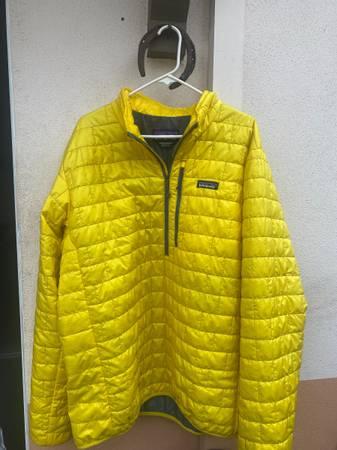 Photo Mens Patagonia Nano Puff Jacket (XXL) - $100 (Santa Barbara)