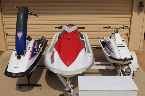 Photo PWC Waverunner VX110-Sport, Jet Ski 650 X2  SX  Stand Up  Trailer - $4,500 (California City)