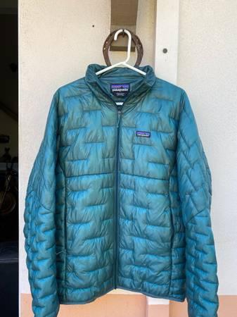 Photo Patagonia Puffer Jackets Lot - $1 (Santa Barbara)