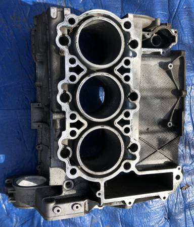 Photo Porsche 911 996 3.4 engine block - $950 (Santa Barbara)