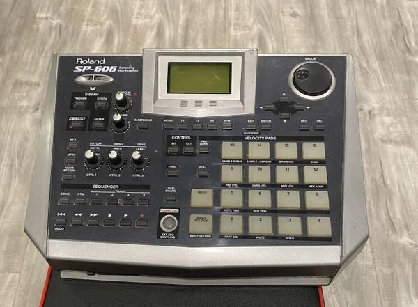 Photo Roland SP-606 Sler Drum Machine Sling Workstation - $300 (Goleta)