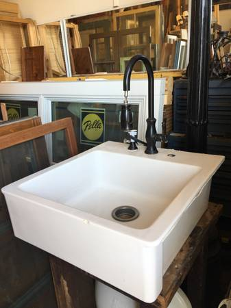 Photo SALE Ikea Farmhouse Sink wBronze Retractable Gooseneck Faucet - $450 (Goleta)