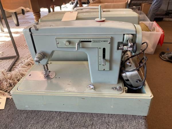 Photo Sears Kenmore Vintage Sewing Machine - $30 (Goleta)
