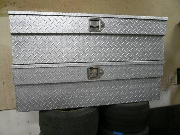 Photo Side Mount Aluminum Diamond Plate Truck Tool Boxes - $100 (Santa Barbara)