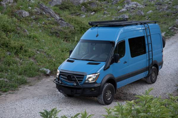 Photo Sprinter 4x4 Adventure Van - $110,000 (Carpinteria)