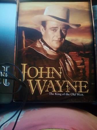 Photo The John Wayne collectin (L A ,CA)