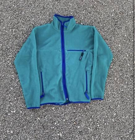 Photo Unisex Patagonia Fleece Jacket - $70 (Santa Barbara)