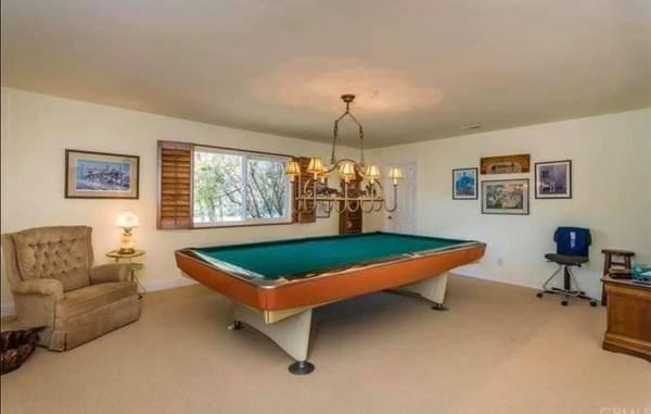 Photo Vintage mid century modern Brunswick pool table - $1600