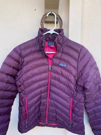 Photo Womens Patagonia Down Sweater - $110 (Santa Barbara)