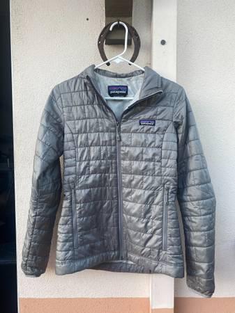 Photo Womens Patagonia Nano Puff Jacket (XS) - $80 (Santa Barbara)