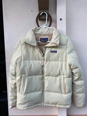 Photo Womens Patagonia Puffer Jacket (S) - $110 (Santa Barbara)