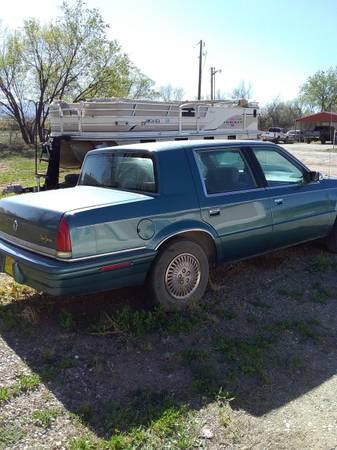 Photo 1993 Chrysler New Yorker - $1,400 (Espanola)
